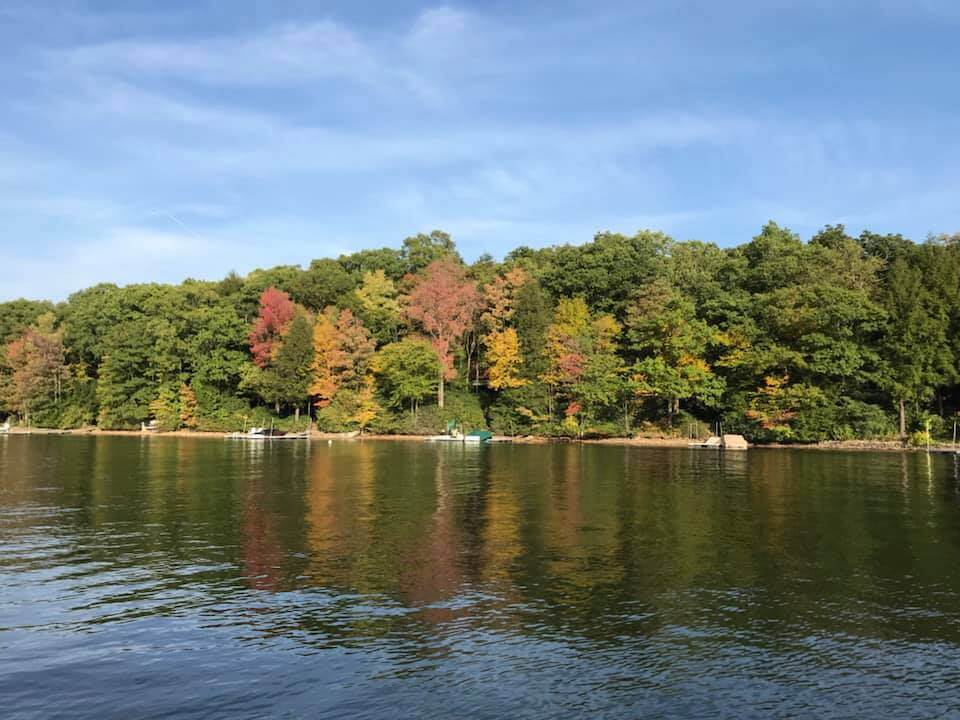 Andrew-Peterson-fall-day-boating-at-Deep-Creek-Lake,MD