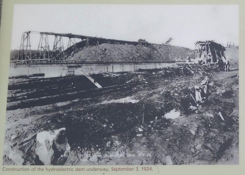 Building DCL dam